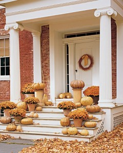 fall-outdoor-decor-golden-pumpkins